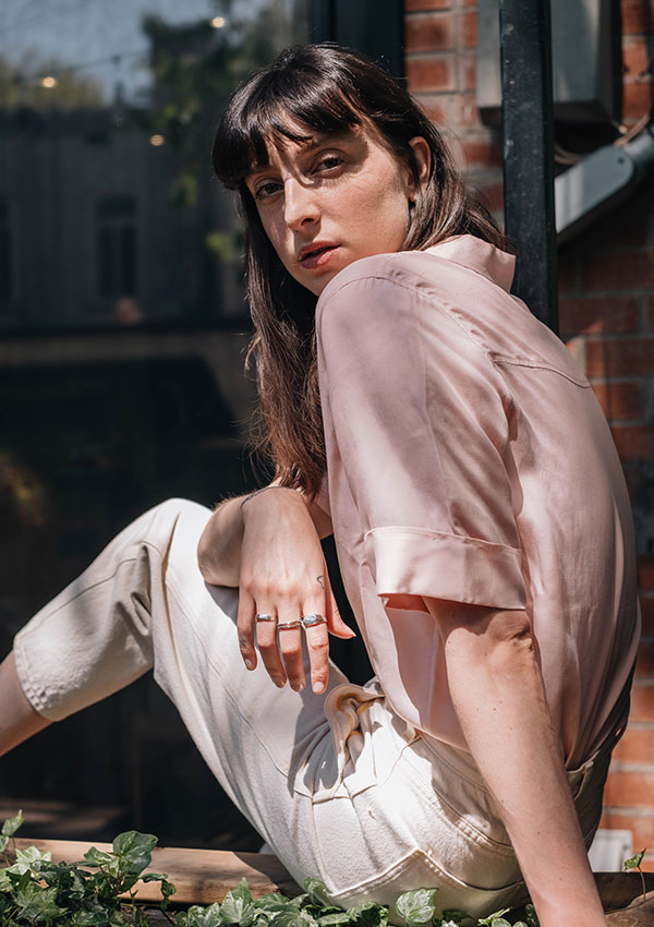 Sarah-Maude Beauchesneportela chemise Riverdale de Vallier.